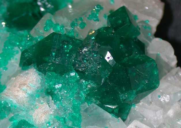 Οι κρύσταλλοι δηλαδή οι ΗΜΙΠΟΛΥΤΙΜΟΙ ΛΙΘΟΙ είναι ένα πολύ σημαντικό μέσω  χαλάρωσης και αυτοθεραπείας από αρχαιοτάτων χρόνων. ef52a3cbfb9